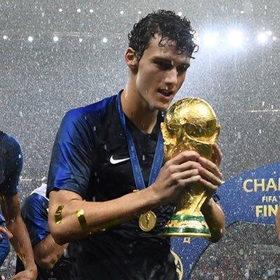 Juventus Masukan Benjamin Pavard Sebagai Daftar Belanja Klub Januari Mendatang