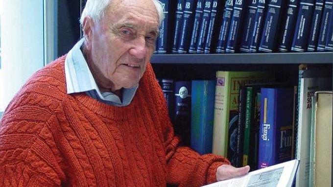 Dr Goodall Mengaku Tidak Hidup Bahagia Di usia 104