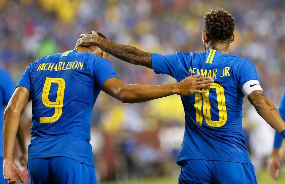Neymar Siap Bimbing Richarlison di Timnas Brasil