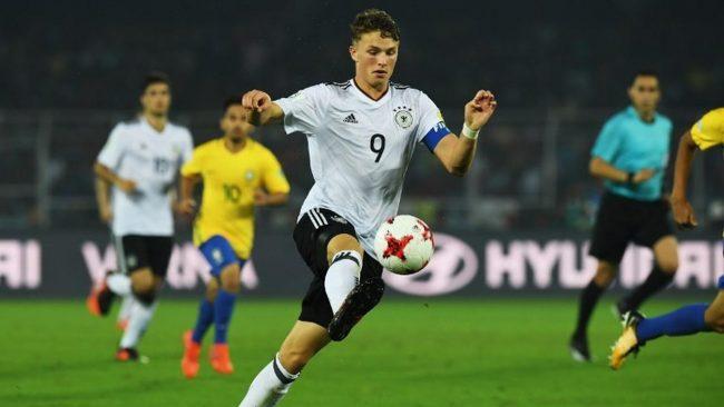 Pelatih asal Bayern Munchen, Nico Kovac menyatakan bahwa dirinya percaya striker Jann-Fiete Arp akan memiliki masa depan yang lebih cerah