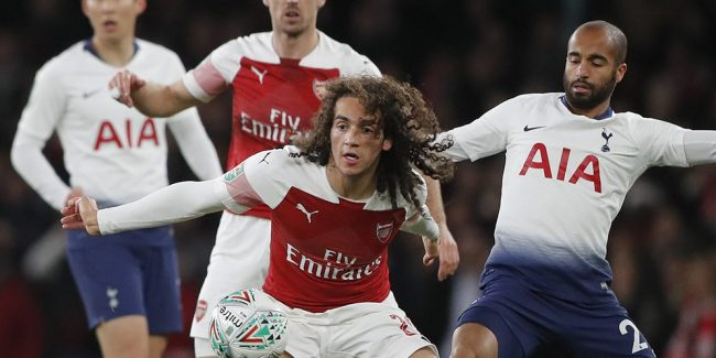 Emery tetap bangga meski Arsenal raih skor imbang lawan Tottenham.